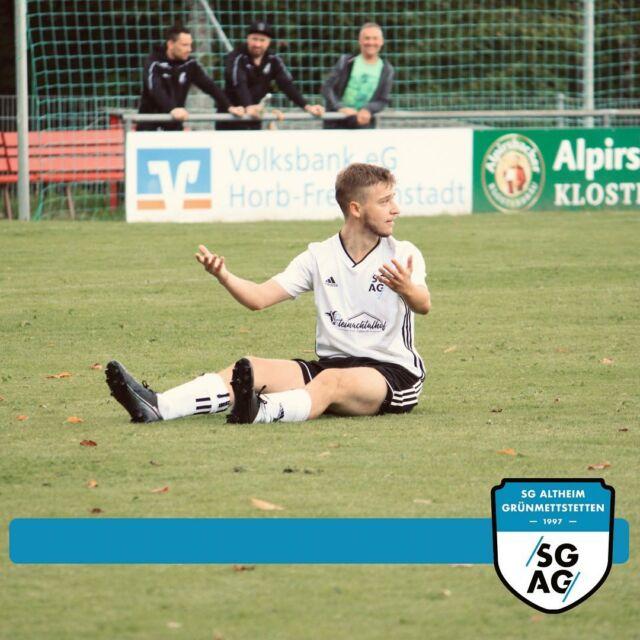 Bittere Pokalpleiten für beide Teams 🔵⚪️  SG SV Wittendorf II/VfB Lombach II vs. SG Altheim/ Grünmettstetten I 4:1 (2:0)  Eine verdiente Pokalniederlage gegen die Wittendorfer Zweitvertretung hagelte es für unsere erste Mannschaft. Nach vernünftigem Beginn mit einigen Hochkarätern, ließ man sich mit dem Spielverlauf immer mehr den Schneid abkaufen. Den Ehrentreffer erzielte Dominik Schorpp.  SG Altheim/Grünmettstetten II vs. SV Oberiflingen I 1:7 (0:1)  Eine lange Zeit ansprechende Leistung unserer Zweitvertretung gegen den Bezirksligisten mündete letztendlich in einer klaren Niederlage. Das Gästeteam fand in Halbzeit eins kaum Mittel gegen die SG-Defensive und wenn doch, dann war der gut aufgelegte Torspieler Robin Ade auf seinem Posten. Das Endergebnis fiel dementsprechend etwas zu hoch aus. Den Ehrentreffer für die SGAG erzielte Tim Kreidler. #lebmalSGAG